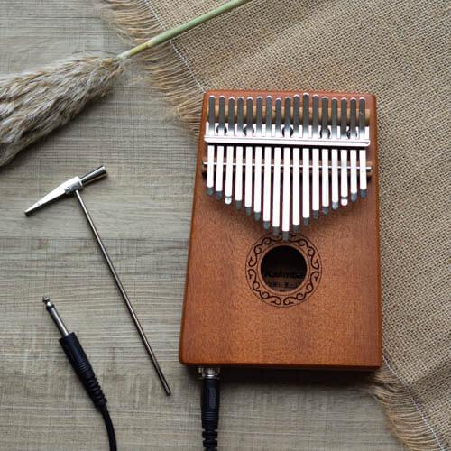 Electrical Kalimba 17 Mahogany Classical 01
