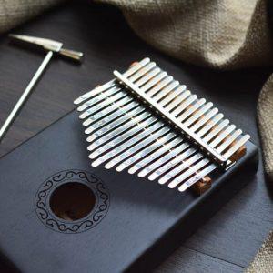 Kalimba 17 Mahogany Classical Black 05 1