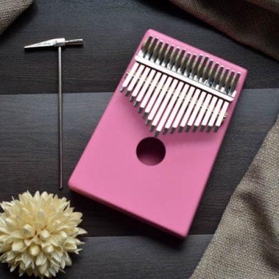 Kalimba 17 Pine Round Pink 01