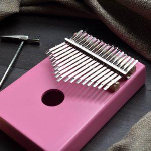 Kalimba 17 Pine Round Pink 02